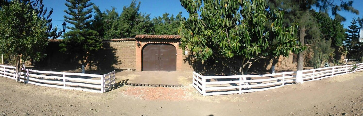 beautiful bungalow in Ocotlan Oaxac - Oaxaca - House