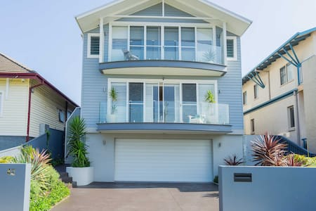Sydney Beach house 100m from the beach, max 9 pers - Malabar - Haus