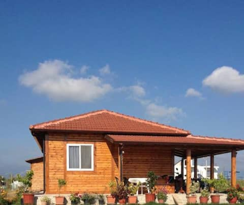 Chalet on the hill 10min to airport