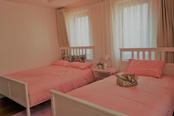 【粉色卡通家庭房】珠海机场airport,吉林大学,长隆海洋王国,金湾高尔夫