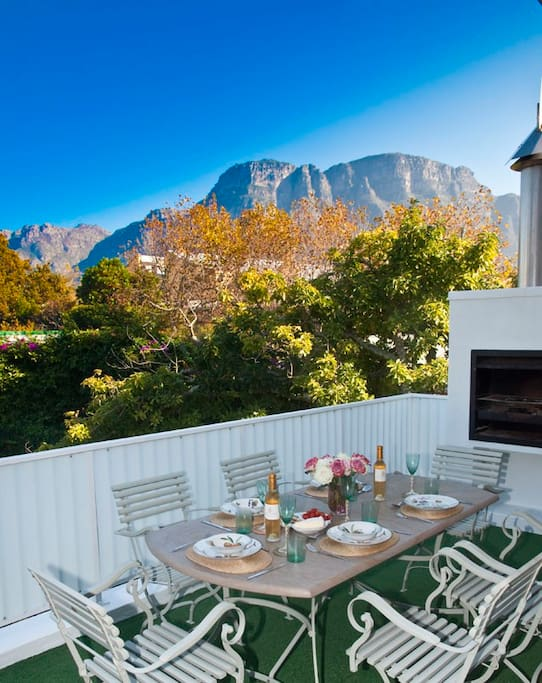 Enjoy breakfast, lunch and dinner perched above the trees, with the beautiful mountains in view.