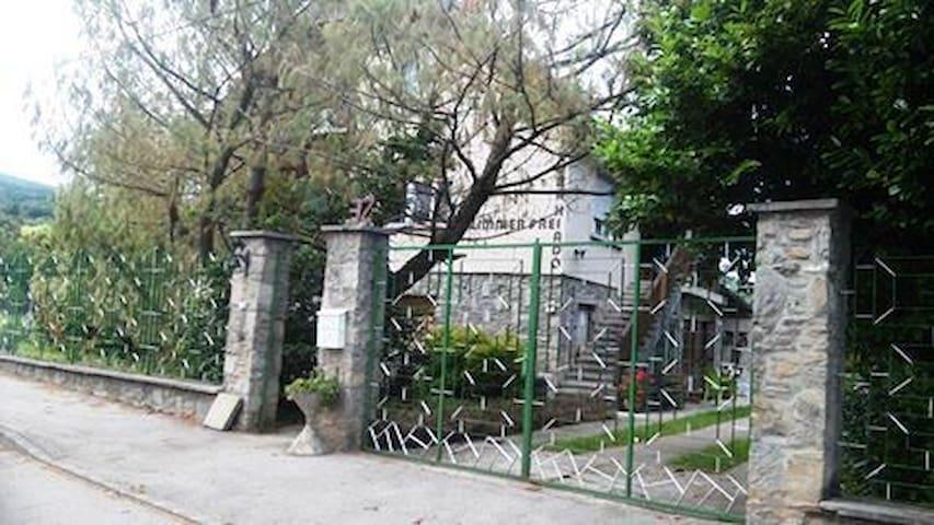 Gréti Guest's House