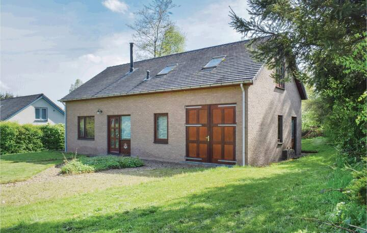 Holiday cottage with 3 bedrooms on 126m² in Chiny