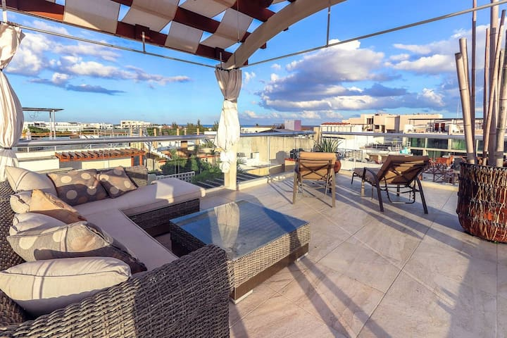 LUXURY Penthouse with own Jacuzzi on the terrace