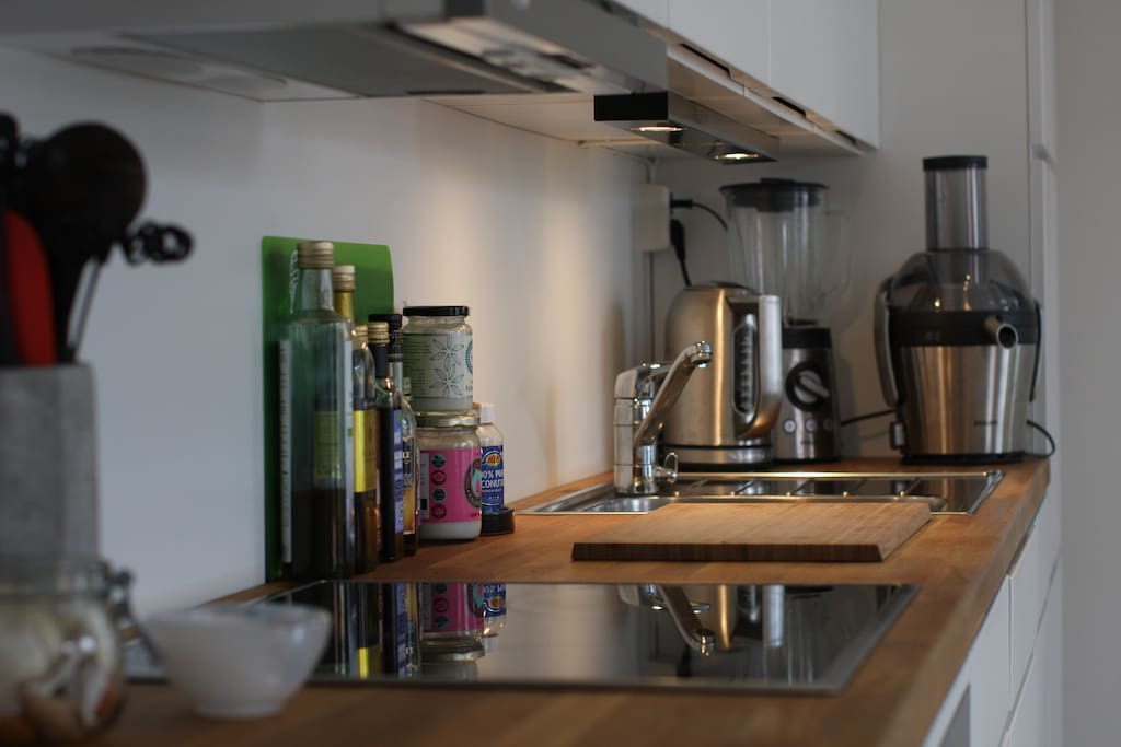 Kitchen section - Including blender, juicer and water boiler (as well as dishwasher)