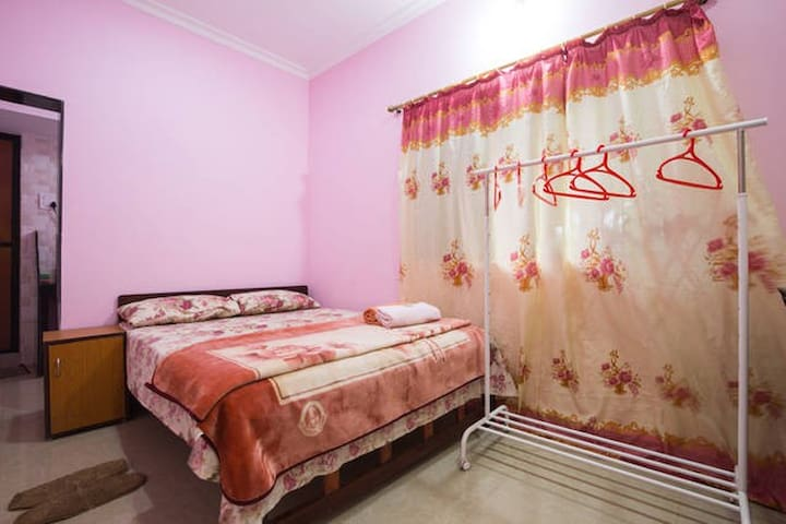Delux Ac Rooms for Couples,Friends & Solo traveler
