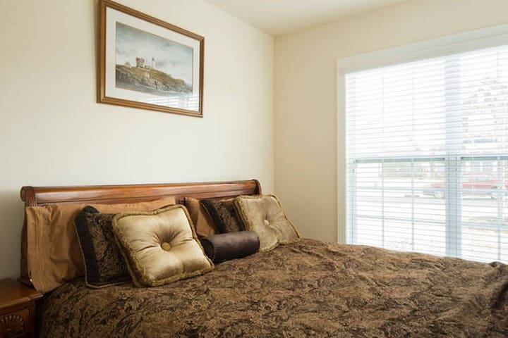 Private bed and bath near Carowinds - Fort Mill - Dom