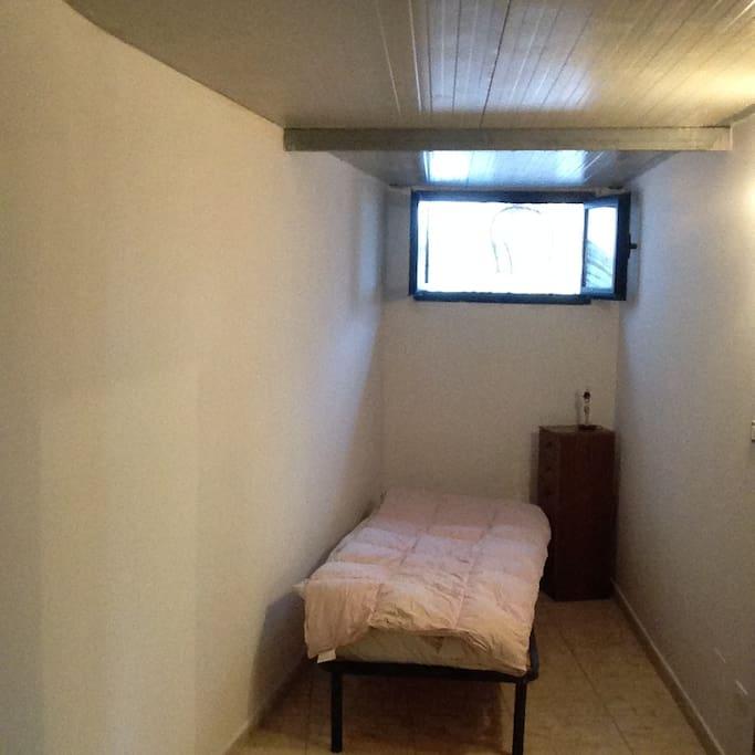 ulteriore stanza da letto con due letti non accostabili