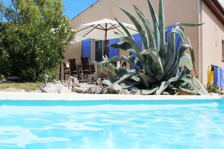 Romantic house, great view, privé pool, sud france
