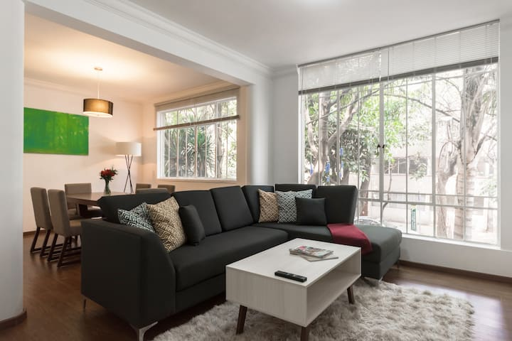 LUMINOUS 2BED/1BATH APARTMENT AT LA CONDESA