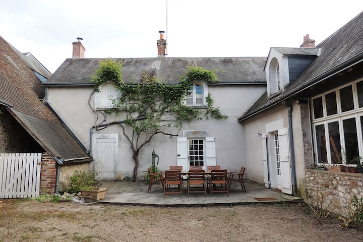 """Maison de charme """" La Closerie du prieuré"""" - Chambon-sur-Cisse - Haus"""