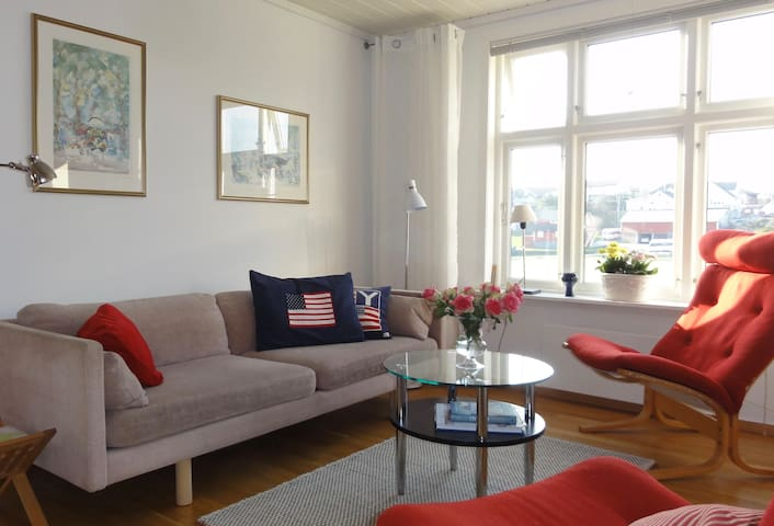 Charming flat in cosy farmhouse in Skudeneshavn