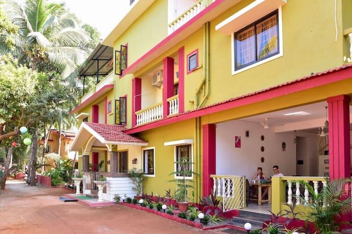 Simply Elegant rooms near Candolim beach A