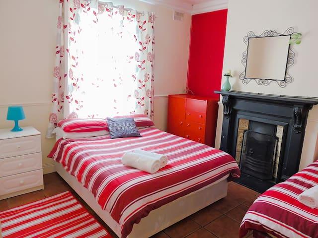 Private Room close to City Center - Drumcondra - House