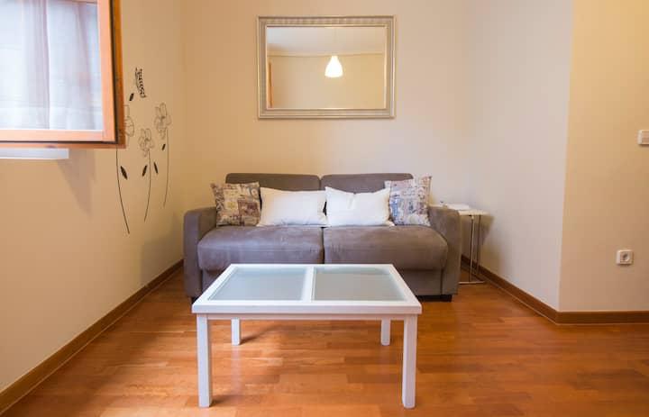 Cozy apartment between Jewish quarter & Cathedral