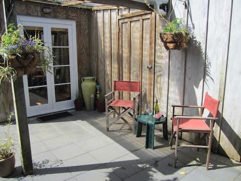 Calendula Cottage