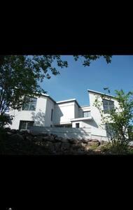 Nytt, moderne hus med sjøutsikt - Horten - Σπίτι