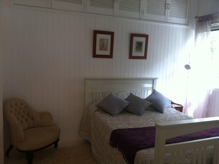 Double 'white room' bedroom.