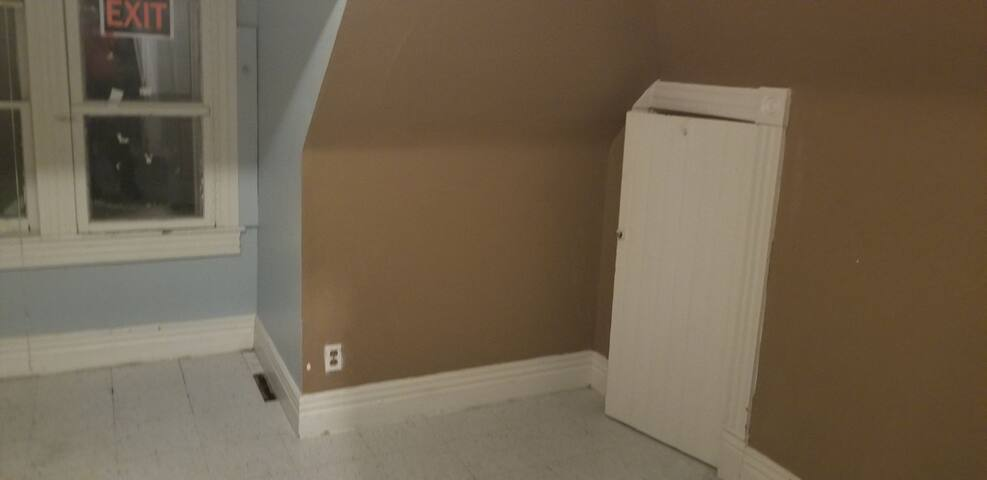 Brand new rooms available in downtown winnipeg