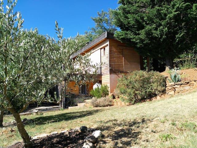 """Gite """"VerOlive"""" en pleine nature - Soumont - Nature lodge"""