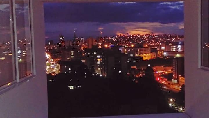 Lindo Aparta-estudio, Avenida Santander.