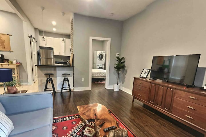 Chic 1BR Apartment in Walkers Point