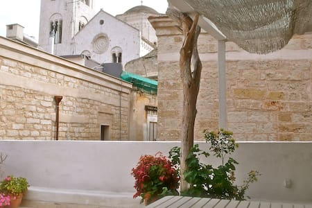 In the heart of the old city, Odegitria House - Bari
