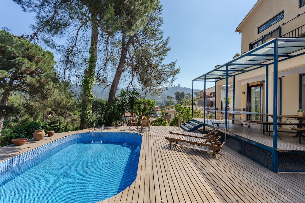 Spectacular house in bcn with tibidabo views case in for Case in affitto a barcellona spagna