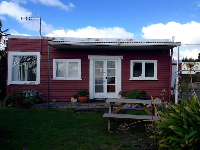 True Kiwi Bach Experience - Tauranga Taupo - Дом