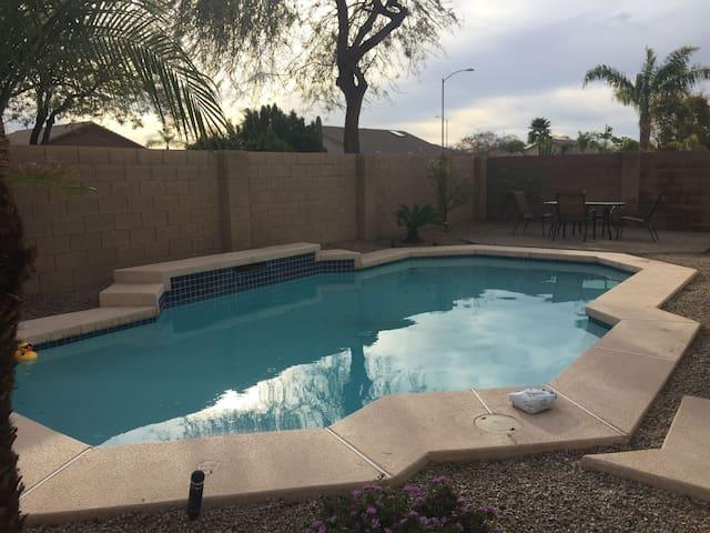 Beautiful Arizona vacation home w/ pool
