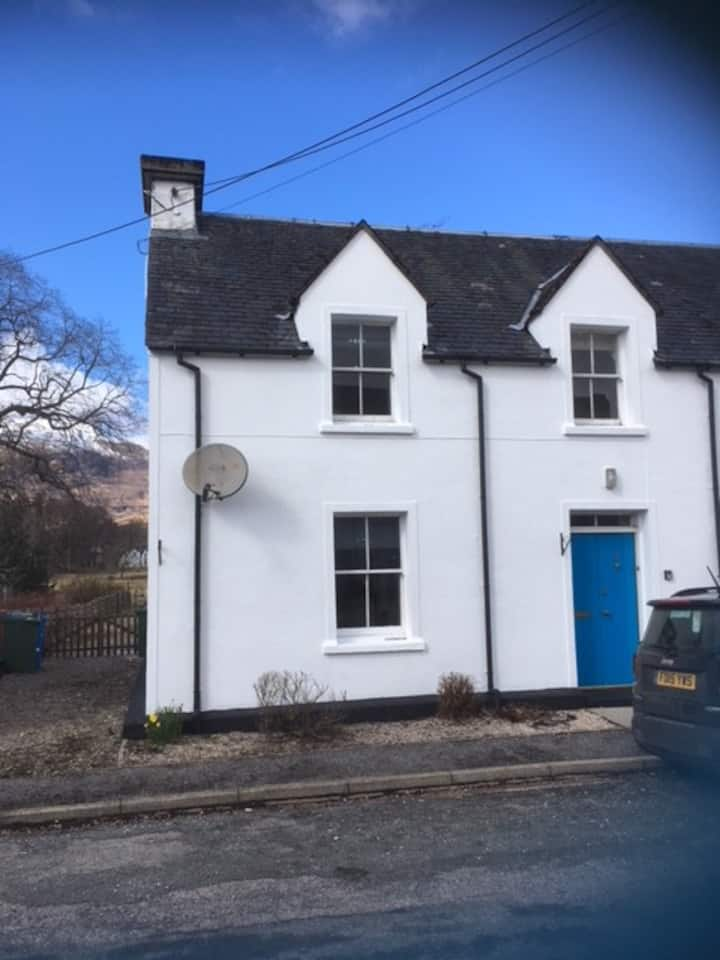 Red Deer Cottage -nr Skye, Applecross and NC500