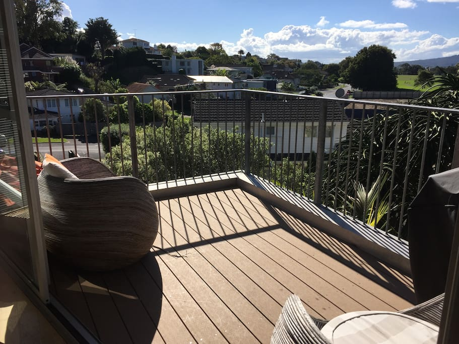 Views to Rangitoto from sunny deck. Great spot for morning coffee.