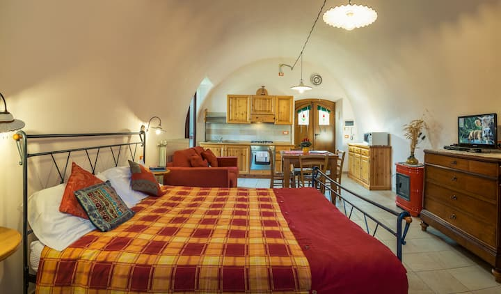 Comfortable studio apartment in Zorzino Castle