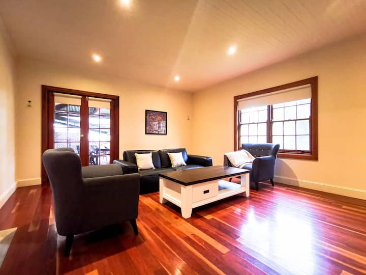 Pristine Two-storey House in Hahndorf