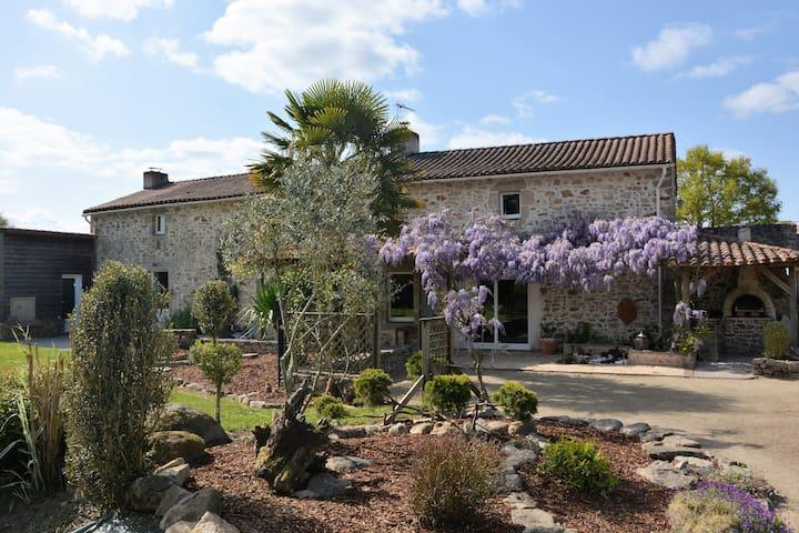Chambre  proche du Puy du Fou - Bazoges-en-Paillers - Casa