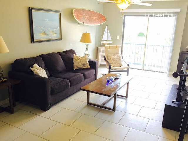 Island Condo, Pool & Dock, Walk to the Beach - Fort Walton Beach
