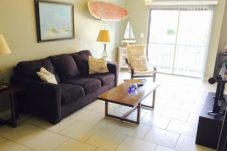 Island Condo, Pool & Dock, Walk to the Beach - Fort Walton Beach - Kondominium