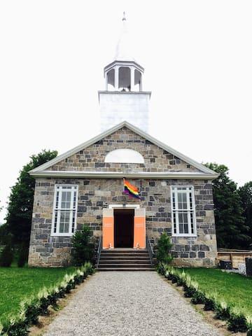 Dormir à l'église... un repos divin