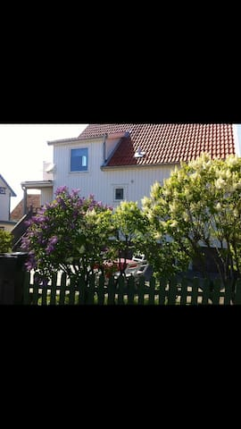 Fantastic house with ocean view - Kungshamn - Hus