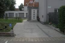 Eingangsbereich, Parkplatz 1
