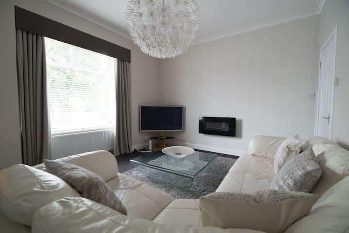 Deluxe Two Bedroom Apartment 104