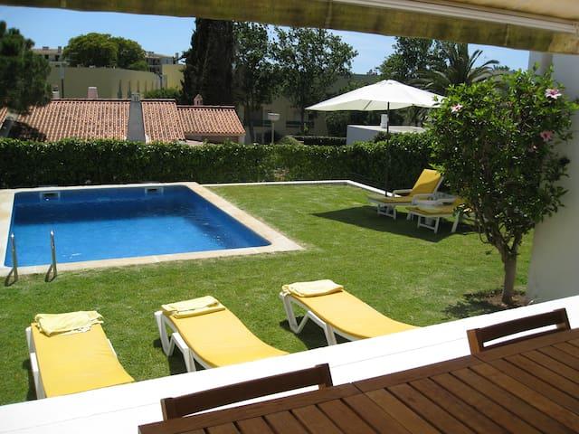 Villa 3 Rooms in Vilamoura, Portugal
