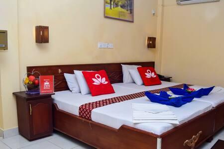 Elegant Room at Messenger Street - Colombo