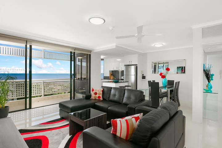 Cairns Luxury Waterfront Apartment