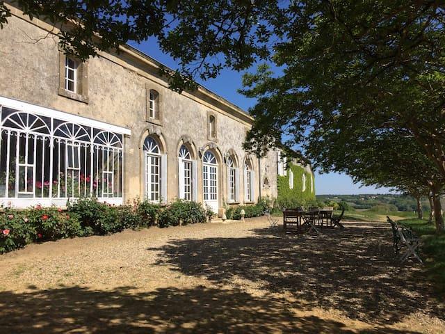 Orangerie d'un château bordelais - Brouqueyran - Zamek