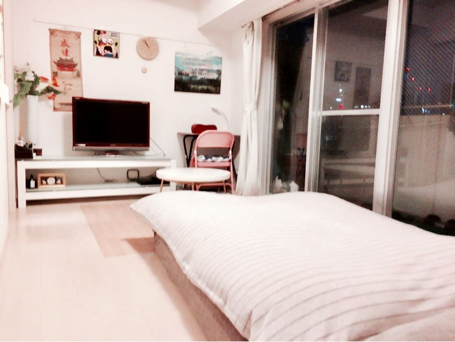 MAX 2p can stay 1 room  1 Double bed No smoking  220 ppt speed wifi rental paid service(¥1000/day) Luggage Storage Service (1Luggage Price/2hour ¥1000) Clean Up Room Service(¥7000)  Check in     3pm Check out 11am  最大2名宿泊 1ルーム ダブルベッド 禁煙 ポケットWIFIレンタルサービス(¥1000/day) 荷物預かりサービス/1個の荷物価格 (2hour ¥1000) 滞在中お掃除サービス(¥7000税込)