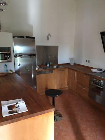 Eguilles appart moderne 90M2 -2CH+Mezza+salon50m2 - Éguilles - Appartement