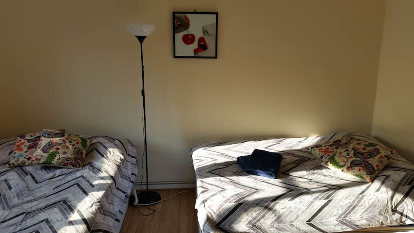 3.DBL BEDROOM-NEAR WESTMINSTER BRIDGE & PARLIAMENT