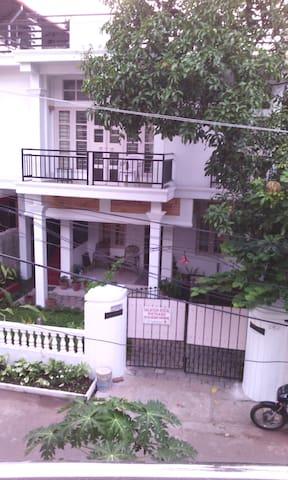 Nathan's Holiday Home 6 bedroom Apt - Kochi - Villa