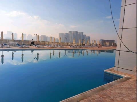 Apartamento de lujo de 2 dormitorios en la playa con vistas a la ciudad